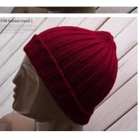 Вязаная осенне-зимняя шапка в стиле хип-хоп