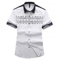 Модная мужская рубашка с коротким рукавом и рисунком