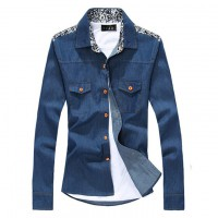 Модная джинсовая рубашка с цветочными вставками на плечах и воротнике с 2 карманами